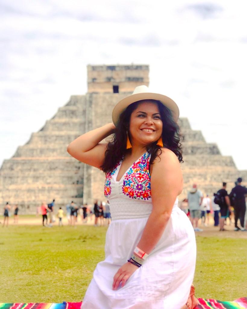 MairaHernández author